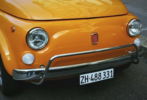 Czy da się samodzielnie naprawić ubytki w lakierze samochodowym?