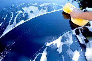 Dlaczego warto woskować samochód po wizycie w myjni