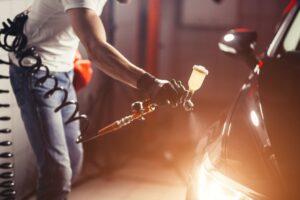 Jak aplikować matowy lakier samochodowy z efektem specjalnym? Przygotuj pojazd w oryginalnym stylu!